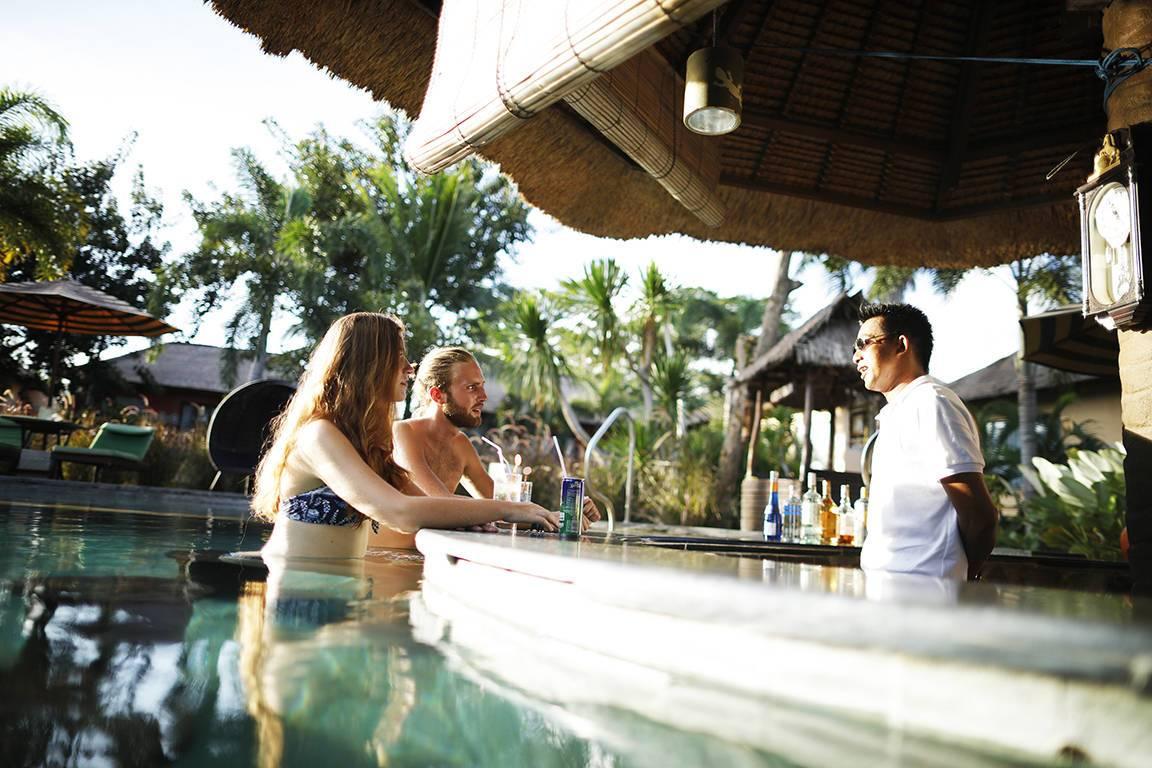 Mara River Safari Lodge Pool Bar