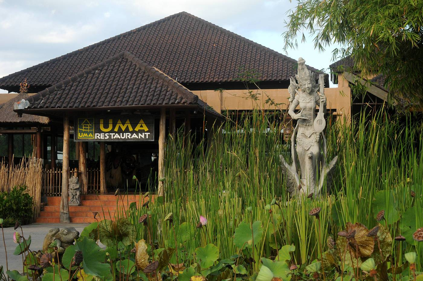 Uma Restaurant Mara River Safari Lodge Bali Safari