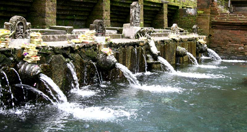 holy spring tirta empul - things to do in gianyar